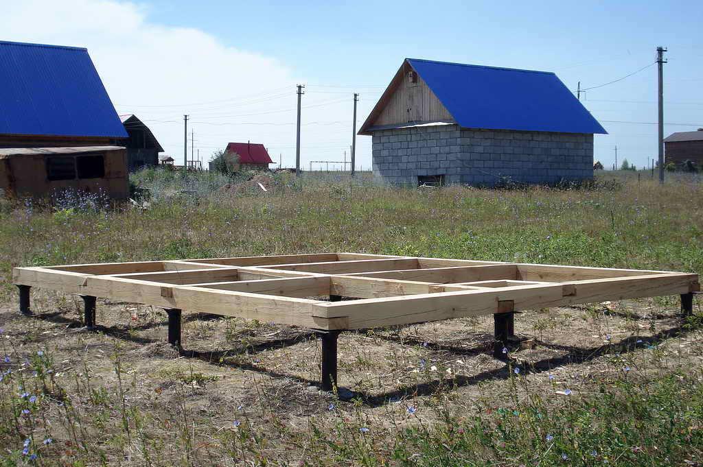 Фундамент под деревянный дом из бруса